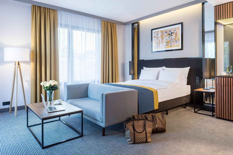 Przestronny pokój premium w hotelu Grand Ascot w Krakowie