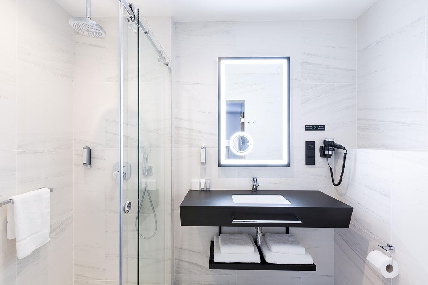 Łazienka w pokoju w hotelu Grand Ascot