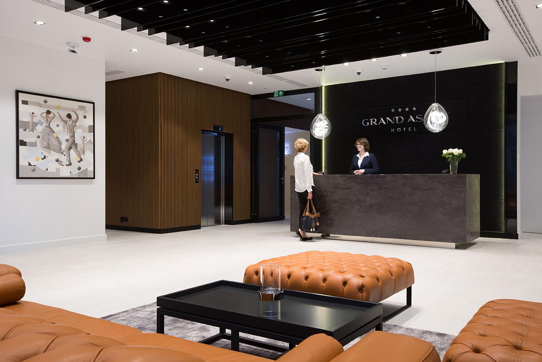 Lobby i recepcja w hotelu Grand Ascot