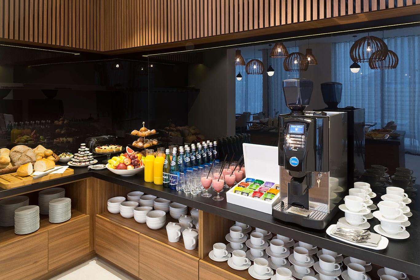 Śniadanie w hotelu Grand Ascot w centrum Krakowa