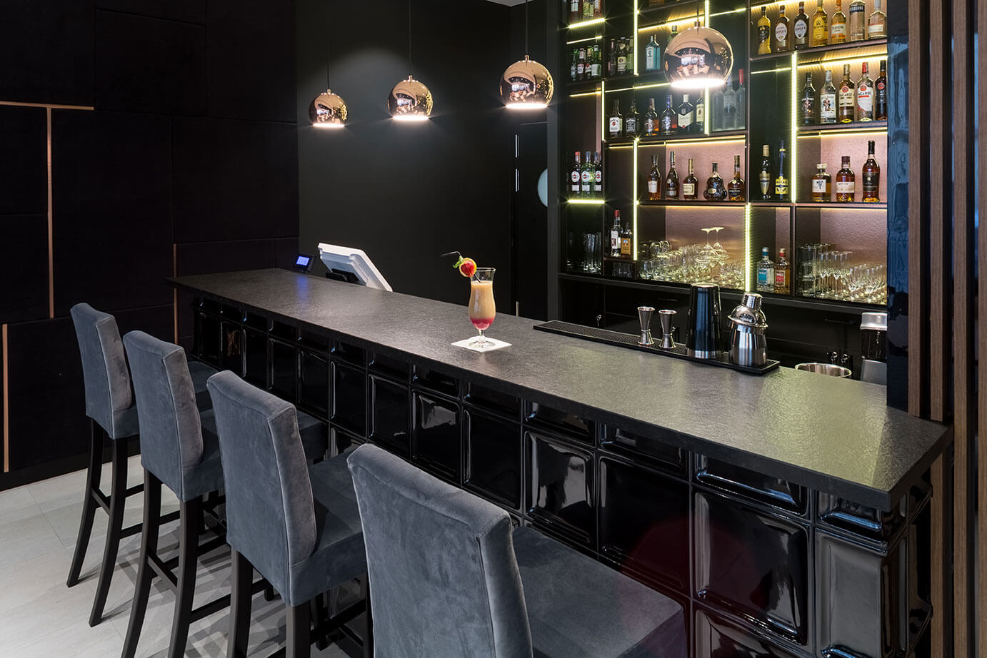Wine & Spirits Bar w hotelu w centrum Krakowa