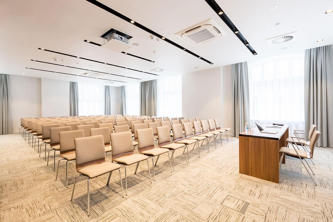 Sala conferenze presso l'hotel Grand Ascot a Cracovia