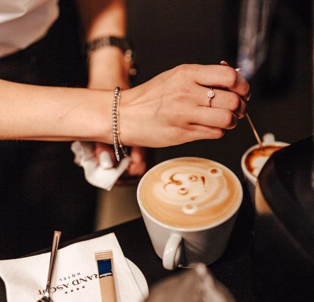 Kawa i deser w centrum Krakowa